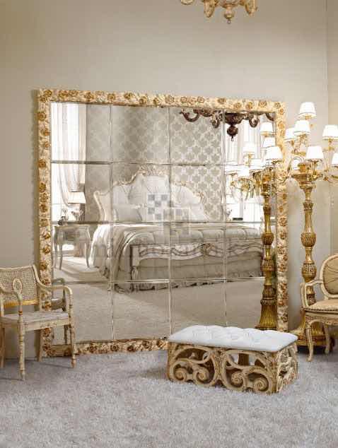 Зеркальное панно с фацетом в спальне 30x30